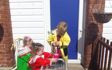 Outdoor Learning in Reception