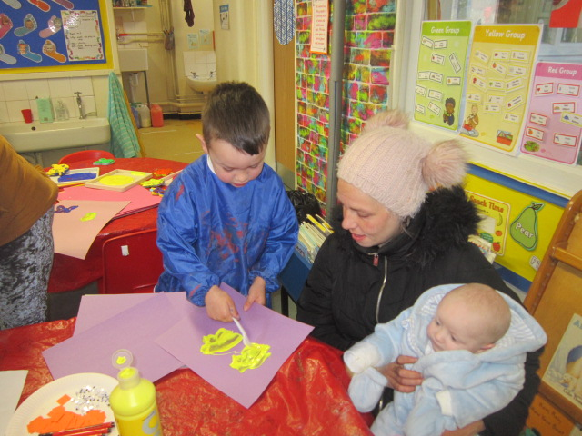 Parent Easter Craft Day in Nursery